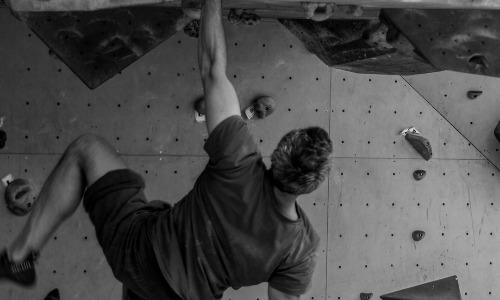 Что нужно знать, если вы строите мышцы после 50
